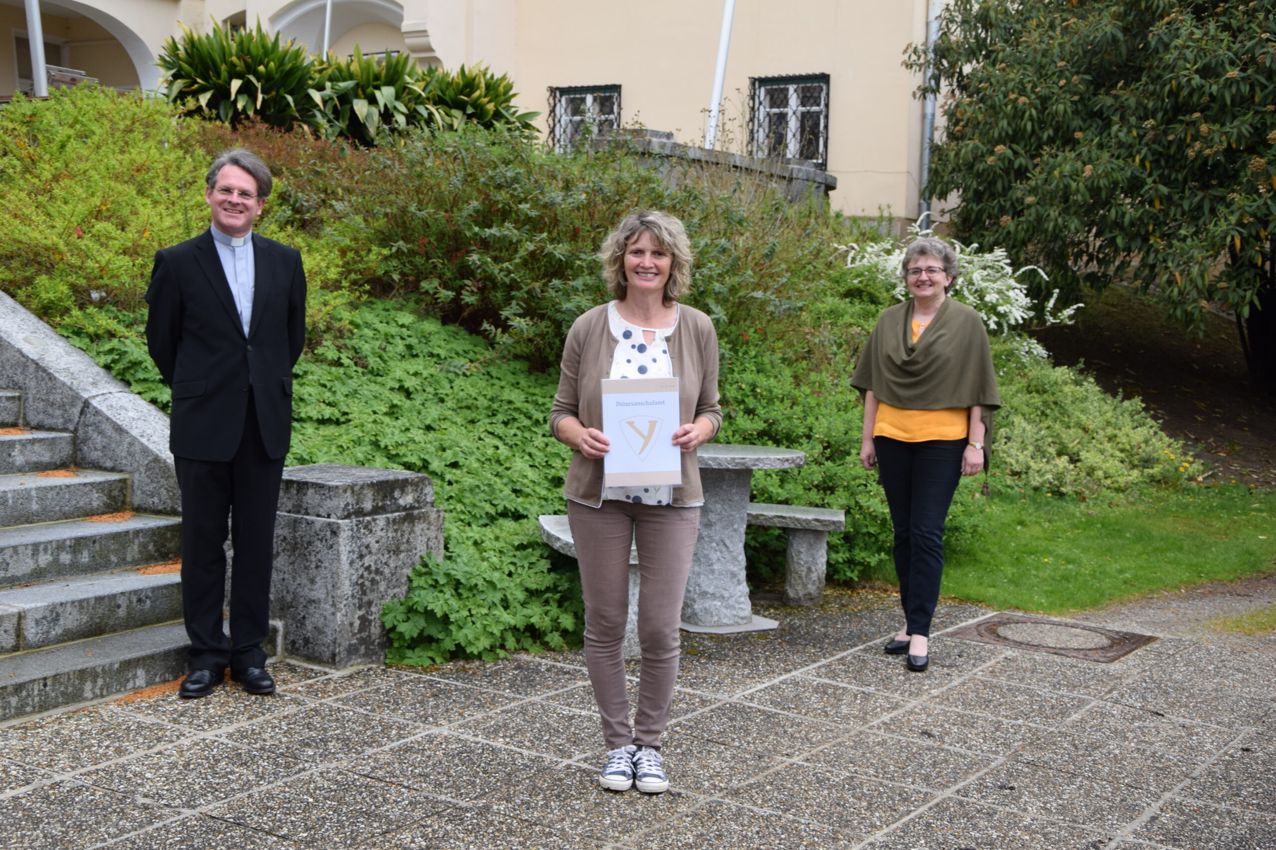 Fachinspektor Pirmin Mayer, Fachlehrerin Maria Wieder, Direktorin Rosina Neuhold